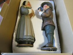 Vintage Leo Smith Pilgrim Man And Woman Dept 56 Signed By Leo 1999 17 Tall