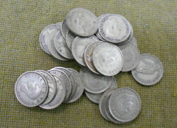 C26. Thirty30 1946 New Zealand Silver Sixpence Coins