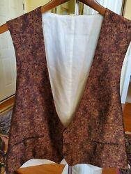 Luxurious Brioni Men's Size 44 L Parsley Brown And Gold 3 Bottom 100 Silk Vest.