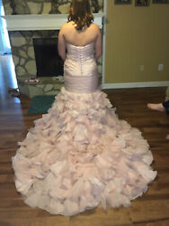 Beautiful Vera Wang Wedding Dress. Blush Pink Corset Back
