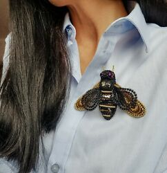 Brooch bee - fashion brooch for women - bee pin - bee outfit - designer jewelry