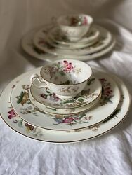Wedgewood Bone China Charnwood Pattern W.d. 3984 -6 Piece Setting For 12