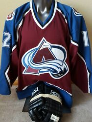 Rare Certified Game-used Autographed Vrbata Colorado Avalanche Jersey + Gloves