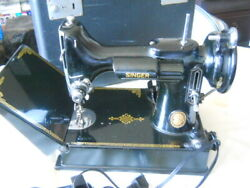 Singer 221k Featherweight Sewing Machine With Case And Parts