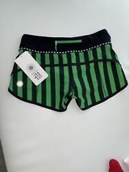 Lululemon Seawheeze Green And Black Vertical Stripe New With Tags Size 4