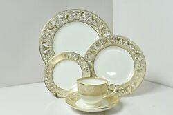 Wedgwood Florentine Gold 5 Piece Place Setting Leigh Shaped Cup W4219