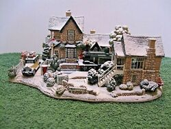 Lilliput Lane L2574 Homeward Bound For Christmas Snow Cottage, Mib With Deed.