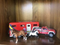 Breyer 5356 Stablemates Pick Up Truck and Gooseneck Trailer And Lot