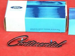 Nos Genuine 1982 1983 Ford Lincoln Continental Fender Hood Script Name Plate