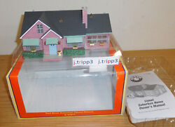 Lionel 6-37917 Red Brick Suburban House Deluxe Train O Gauge Accessory Layout