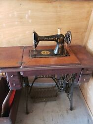 Antique 1920's Singer Sewing Machine With Cabinet