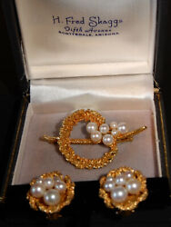 H Fred Skaggs Mid Century Modern 14kt Yellow Gold And Pearl Brooch And Clip Ons