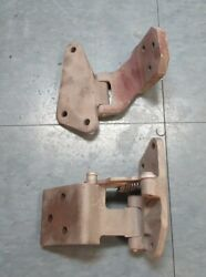 1967 Mustang/shelby Early Original/used Cast Iron Right Upper And Lower Hinges