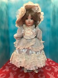 Vintage 1984 Mint Nicole Gorham Doll Plays-memory And Signed By The Designer