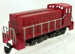 Z Scale Red Diesel Switcher Loco Painted/unlettered W/marklin Cplrstested Nib