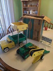 910 Metal Toy Structo Construction Trucks Excellent Condition With Original Box