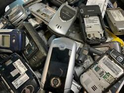 30 Lbs Of Flip Cell Phones No Battery For Gold Scrap Recovery 160 Pcs