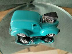 Muscle Machines 1940 Ford Panel Truck-diecast Car 1/64 -custom Turquoise Paint