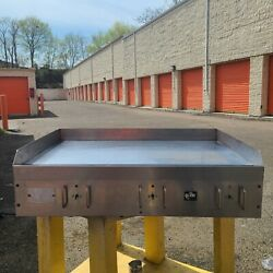 Electric 36 Inch Grill Star 220v 3 Phase Used