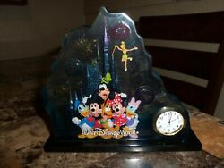 Extremely Rare Donald Duck 3d Glass Table Clock By Disney