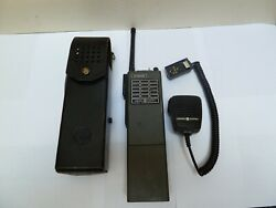 1 Vintage Police Radio Uhf-l/ge Ge Mps Synthesized Portable W/ Case/microphone