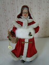 Clothtiques Mrs Santa Claus In Coat W/ Basket And Muff Possible Dreams Figurine