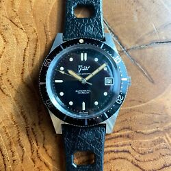 Vintage 1960s Voit 666 Skin Diver Watch With 20mm Tropic Style Strap