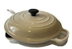 Le Creuset 12andrdquo Skillet And Lid No. 30 Double Pour Frying Pan