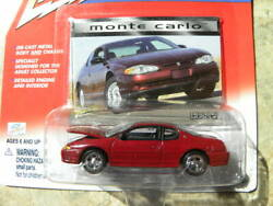 2000 Chevy Monte Carlo      2000 Johnny Lightning Modern Muscle  164