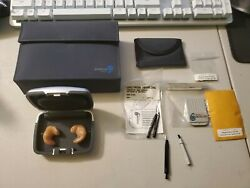 Unitron Fs Hearing Aid Right Left With Case And Extras 0606j753 0606j754 Cleaned