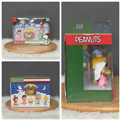 Peanuts Charlie Brown Deluxe Nativity Scene Christmas Figure Play Set New