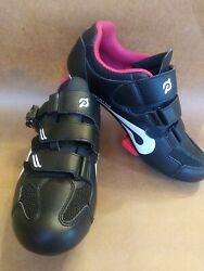 Peloton Shoes Size 40, Barely Used, Delta Clip Included And Attached