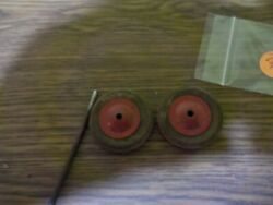 Vintage Wyandotte Or Marx Truck 2 Wood Tires 2 Red Hub-cap 1 Axle For Parts