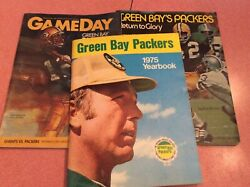 Green Bay Packers 1975 Yearbook Extras 1983 Giants/packers / Return To Glory
