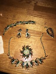 Julianna Dande Jewelry Set With 2 Brooches And Farrington Jewlery Box -vintage