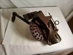 Antique Corn Sheller/husker Cs3 And Usa On It Plus Other Markings Turns