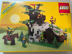 Lego Vintage Castle Camouflaged Outpost Seals Broken Great Condition 6066