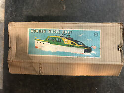 """NICE VINTAGE JAPAN RICO BATTERY OPERATED WOOD MODEL SPEED BOAT """"BOX ONLY"""""""
