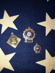Obsolete 677 New York City Detective 14k Gold Police Badge Charms Pendant