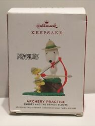 HALLMARK ORNAMENT 2019 Archery Practice Snoopy and the Beagle Scouts