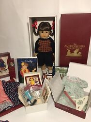 Pleasant Company American Girl Molly Doll And Accessories Nrfb