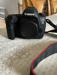 Canon Eos 5d Mark Iv 30.4mp Dslr Camera With 50 Mm 1.8 Lens Battery Charger