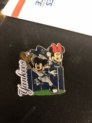New York Yankees Pin Disney Mlb Mickey Mouse Minny Mouse