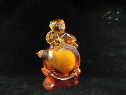 Chinese Hand-carved Figure Player Yellow Peking Glass Snuff Bottle