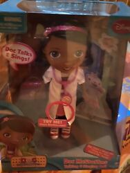 {  Disney } Doc Mcstuffins Toy Hospital Talking And Singing Doll -new