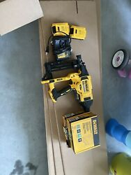 Dewalt Fencing Stapler With Staples And Batteries