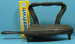 Authentic Old Iron And Matching Trivet Cast Iron A Beautiful Pair T155