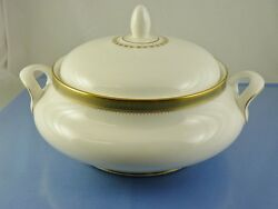 Clarendon H 4993 Round Serving Bowl Footed With Lid By Royal Doulton England