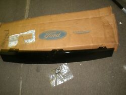 New Oem 1997 98 99 00 01 02 Ford Expedition Rear Door Vertical Applique Rh