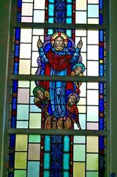 + Nice Figural Stained Glass Window 15and039 Tall X 4and039-6w. 8 Of 12 + Chalice Co.